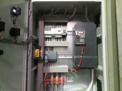 cenralny odciag trocin z powrotem powietrza szafa sterujaca wentylatorem elektrowibracja